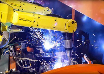 robotic-welding-trunnion-automotive-parts-002