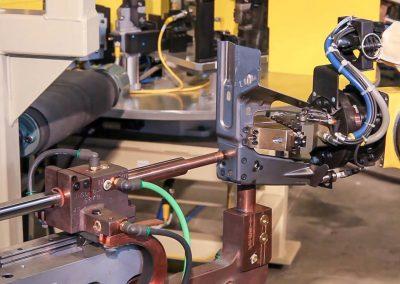 robots-welding-automotive-industry-002