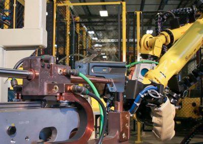 robots-welding-automotive-industry-003