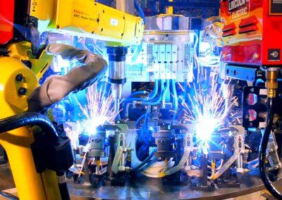 robots-welding-automotive-parts-004